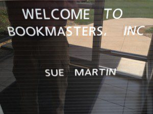 Sign at Bookmasters Inc saying Welcome to Bookmasters, Inc
